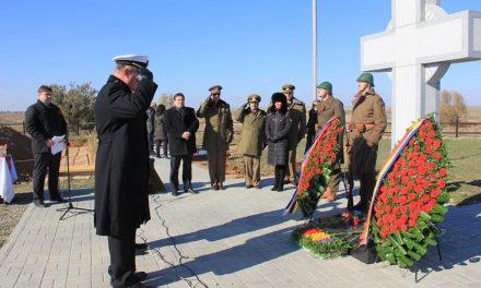 În tăcerea asurzitoare a presei din România, eroii căzuți în teribila bătălie de la Stalingrad au fost reînhumați, în Rusia, la finalul lui 2016. Alături de osemintele lor au fost găsite cruciulițe și scrisori către cei de-acasă. IMAGINI