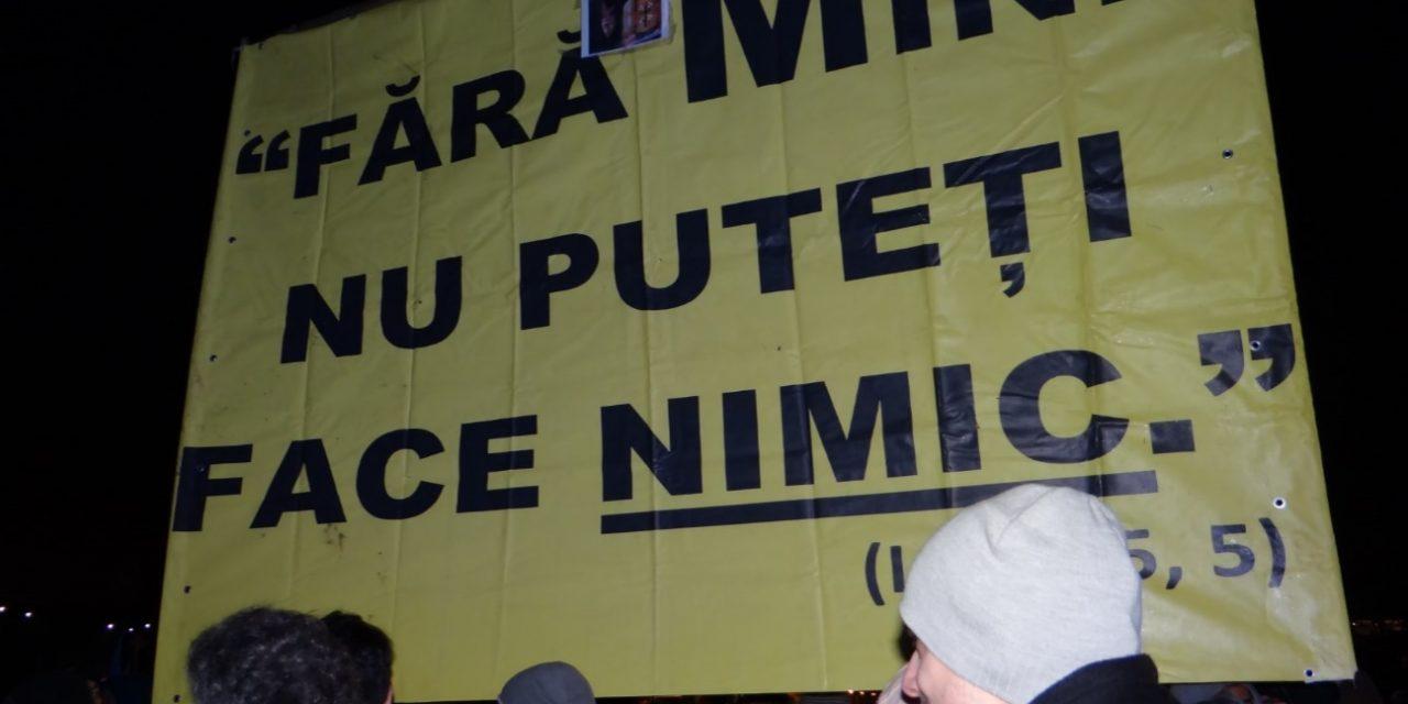 Davai Ceas, Davai Palton, Davai laser și telefon! Uimitoarele asemănări între protestele din Piața Victoriei și Euromaidan