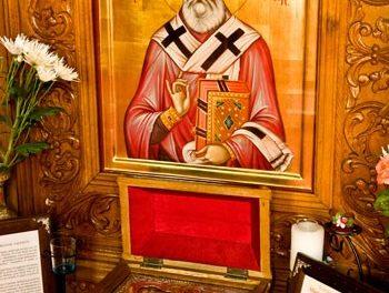 Sfântul Valentin (30 iulie) a fost martirizat deoarece căsătorea tineri. Astăzi oamenii îi folosesc numele ca prilej pentru desfrânare.