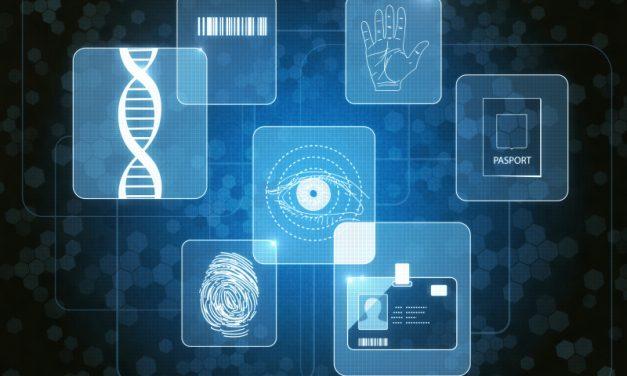 Statul trebuie să respecte opţiunea cetăţenilor care refuză actele biometrice