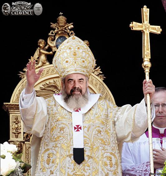 Canoanele sunt lepădate, credinţa batjocorită iar tu zici că nu este vădit neadevărul şi că trebuie aşteptat un sinod? Făţarnicule!