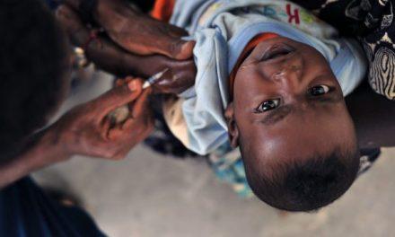 Ce se află în spatele EPIDEMIEI DE RUJEOLĂ din SUA? / Între 2000 și 2008, comunitatea somaleză a avut CEA MAI MARE RATĂ DE VACCINARE / CIFRE: În 1980, 1 din 10 000 DE COPII era diagnosticat cu AUTISM / În 2013, 1 din 50 DE COPII este diagnosticat cu AUTISM