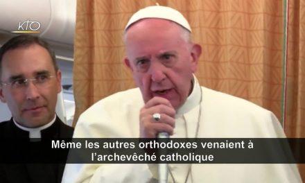 """papa Francisc: Ortodocșii ruși și georgieni recunosc """"botezul"""" nostru, și noi îl recunoaștem pe al lor. Unitatea botezului avansează"""