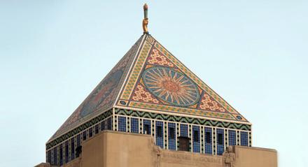 Simbolistica ocultă a LIBRĂRIEI CENTRALE DIN LOS ANGELES – inspirată de CIVILIZAȚIILE PĂGÂNE, promovează LUCIFERIANISMUL
