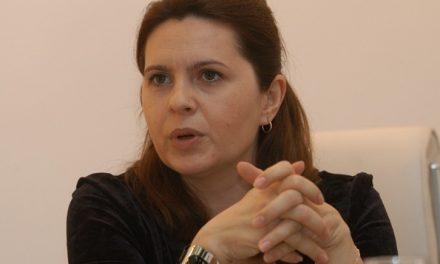 Deputata PNL Adriana Săftoiu vrea pedepse cu închisoarea de la 3 la 10 ani pentru cei care nu-și vaccinează copiii