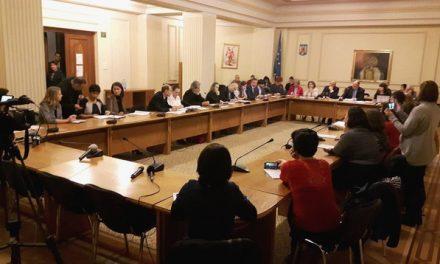 Doar 8 deputați din Comisia pentru Sănătate au fost prezenți la dezbaterile asupra proiectului de Lege privind vaccinarea persoanelor în România (VIDEO)