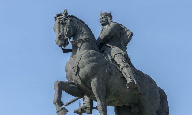 10 ianuarie 1475: Bătălia de la Podul Înalt, considerată cea mai mare BIRUINȚĂ a creștinilor în fața unei armate islamice. Ștefan cel Mare: Vom lupta până la moarte pentru credința creștinească.