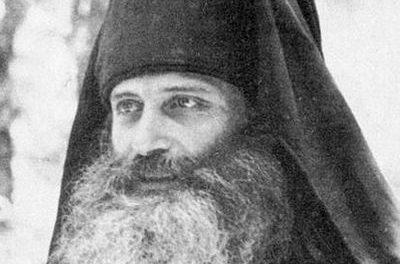 Părintele Serafim Rose – Mare parte dintre ortodocşi au devenit atât de inconştienţi faţă de credinţa lor, atât de indiferenţi faţă de ea, încât nu vor ezita să primească Împărtăşania într-o biserică catolică sau anglicană. Duhul lumesc din Biserică a dat naștere mișcării ecumenice. Compromisul în cuget, cuvânt și negrijă a deschis calea antihristului.