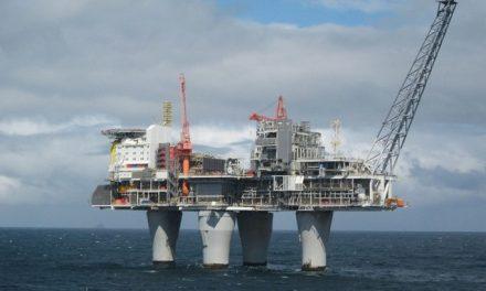 JAF COLOSAL ! ! !  Aproape 100 de miliarde de metri cubi de gaze scose din Marea Neagră vor ajunge la companii străine. România se alege doar cu plaje distruse