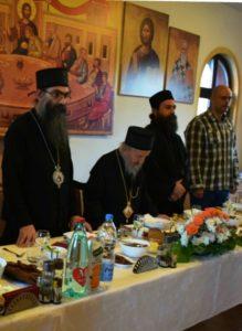 Răspunsul lui Gheron Sava Lavriotul către Mihai Chirilă și către cei care îl acuză (dar și pe noi) de schismă pentru că a participat la slujbă în Eparhia Preasfințitul Artemie de Rașca și Prizen (Serbia)