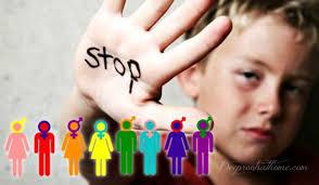 """Părinți, urmați exemplul botoșănenilor și apărați-vă copiii de agresiunile anticreștine! Ca urmare a scrisorii semnate de mai multe ONG-uri din Botoșani, Ministerul Educației Naționale emite o adresă în care recomandă instituțiilor de învățământ preuniversitar din Botoșani """" să analizeze cu mare atenție tematica taberelor sau a acțiunilor la care participă elevii minori"""". """"Ideologia de gen nu are avizul M.E.N. pentru a fi prezentată elevilor minori"""""""