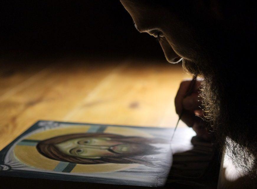 Sinceritatea fără discernământ. Este nevoie de trezvie. Orice ar face omul, s-o facă pentru Dumnezeu. Este nevoie de multă atenţie, prudenţă şi discernământ pentru ca binele să se facă în chip bun şi să folosească – Sfântul Paisie Aghioritul