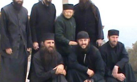 Părinții athoniți ruși și greci uniți întru sluirea lui Hristos