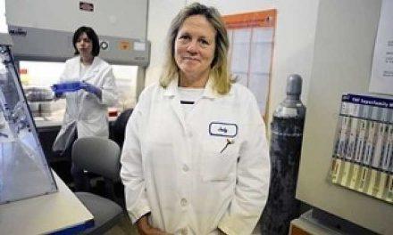 Om de știință băgat la închisoare după ce a descoperit că virusurile cauzatoare de moarte ajung în corpul uman prin intermediul vaccinurilor