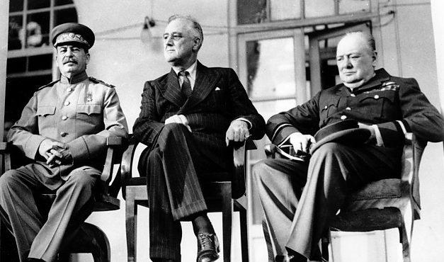 """""""Acordul procentajelor"""", cel mai infam document al istoriei. Hârtia prin care Churchill a vândut România rușilor, expusă în premieră"""