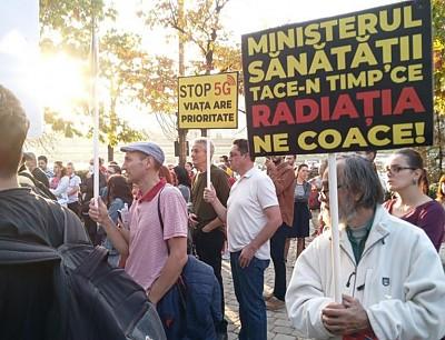 Protest în Capitală împotriva implementării tehnologiei 5G, ale cărei radiații au efectele nocive asupra sănătății oamenilor și a tuturor organismelor vii