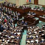 """Polonia: O nouă lege votată de parlamentarii conservatori tratează educația sexuală drept """"pedofilie"""". """"Educatorii sexuali"""" riscă să ajungă în spatele gratiilor"""