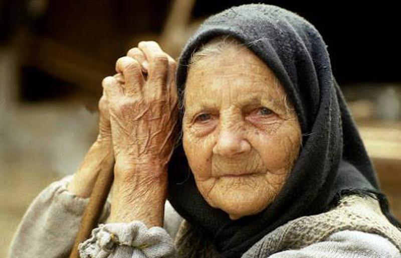 Bunica nu avea cultură, nu studiase-așa, ca noi