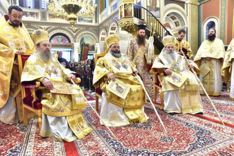 """Ce îi mai lipsește mitropolitului Serafim de Pireu pentru a-și """"întregi"""" mult-vestitul lui """"cuget ortodox""""? Doar slujirea cu papa, în rest le-a """"bifat"""" pe toate!"""