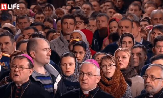 Crăciun în Rusia cu… papistași rugători