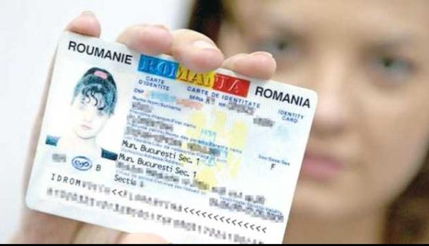 Românii vor avea buletine noi cu cip, din 3 august 2021. Ce riscă cei care vor opta pentru un buletin fără cip