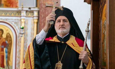 Arhiepiscopul grec al Americii declară comuniune deschisă pentru soții neortodocși
