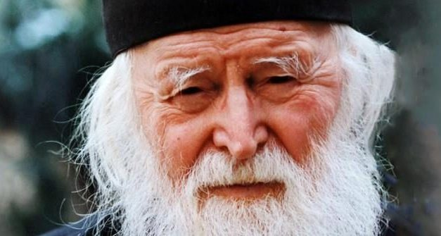 Cel care nu se roagă, n-are nici o putere în lupta cu ispitele vieții.