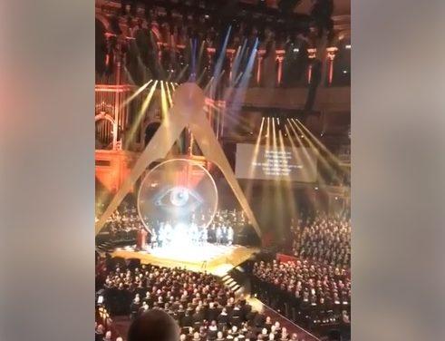 Ceremonie masonică – Francmasonii… rugându-se pentru antihristul lor…