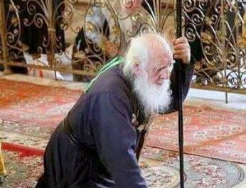 """Sfântul Siluan Athonitul: O, frați mei, cad în genunchi înaintea voastră si vă rog cu lacrimi: """"Veniți la Hristos"""""""