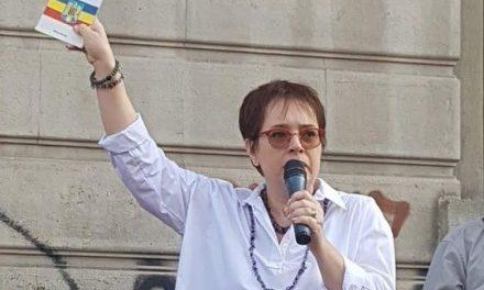 Unul dintre cei mai activi avocați în apărarea drepturilor românilor din ultimii ani, d-na Marina Ioana Alexandru, vârf de lance în lupta contra obligativității vaccinării, a 5G și a celorlalte tendințe dictatoriale ale statului, îi replică dur antiromânului trădător de la Palatul Cotroceni: