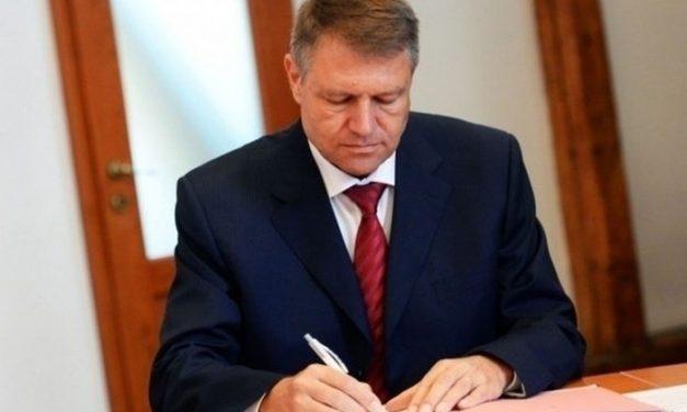 """Din ciclul: """"Antiromânism la paroxism"""" – Trădătorul Iohannis a semnat: Armată comună cu Ucraina!"""